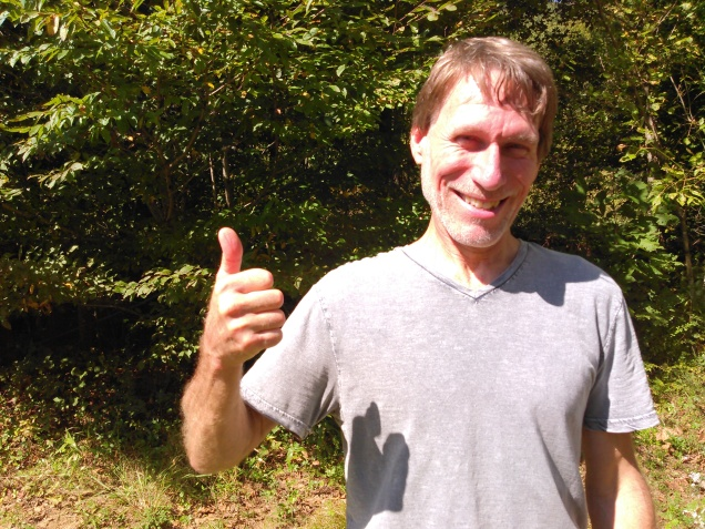09_andy-thumbs-up